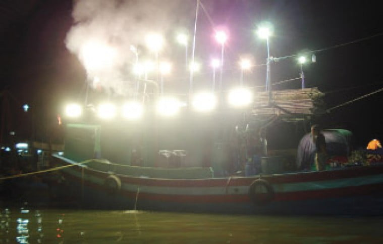 đèn led cho đánh cá, đèn tàu cá, đèn đánh cá