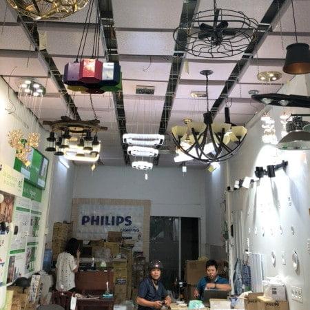 cửa hàng bóng đèn led philips
