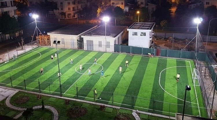 Sử dụng đèn pha Led để chiếu sáng sân bóng tiết kiệm năng lượng
